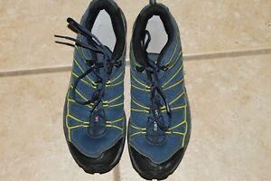 Mens Salomon Outdoor Shoes size 10.5
