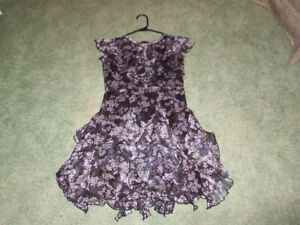 Chasing Fireflies Lovely Floral Dress With Tiered Petal Skirt- Size 12