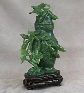 CHINE - Vase Couvert en Pierre Dure Verte Sculptée de Branchages