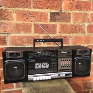 SONY CFS 1000L Stereo Cassette Recorder Tuner Portable Boombox