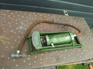 FOUND IN GARAGE CLEAROUT Vintage AERITE GREEN Foot Pump, In Original Paint,U