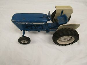 VINTAGE ERTL FARM TOY TRACTOR FORD 4600 BLUE PARTS REPAIR RESTORE WIDE FRONT