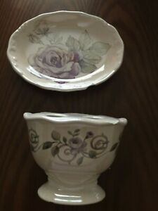 VTG CROSCILL CHAMBORD CASSIS 2 PIECE LOT SOAP DISH AND TOOTHBRUSH HOLDER