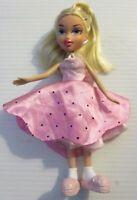 Bratz doll platinum hair pink slippers & thongs, skirt, top & pajamas