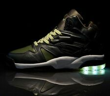 NEW LA Gear Tech Sneakers Light Up Soles in Green sz 10 - 90's shoe !