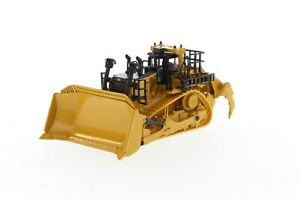 1:87 scale Cat D11 Track-Type Tractor (Modern Hex Design) - DM85659