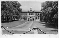POSTCARD  HERTS -  HAILEYBURY & ISC - AVENUE - CIRCA 1948 - RP
