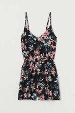 H&M DIVIDED $19.99 Black Floral Print V-Neck Adjustable Strap Romper size 2 EEUC