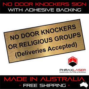 NO DOOR KNOCKERS OR RELIGIOUS GROUPS - GOLD SIGN - LABEL - PLAQUE 10CMX4CM