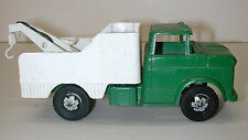 """Vintage Steel Green & White 8-1/2"""" Tow Truck Toy Car"""