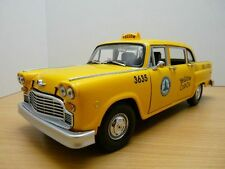 TAXICAB TAXI Checker A11 1981 Los Angeles 1/18