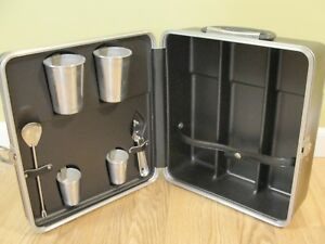 Vintage Portable Travel Liquor Bar Set Man Cave  3-Bottle Slot