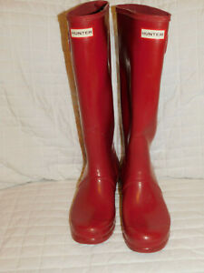 HUNTER TALL RED RAIN BOOTS SIZE 10