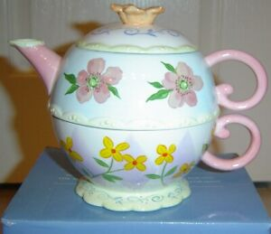 NIB ~ AVON BEAUTIFUL BLOSSOMS COLLECTIONS TEA FOR ONE ~ TEAPOT / CUP