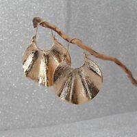 Boucles d'Oreilles Dormeuse Doré Anneaux Coeur Feuille Large Vague Simple C11
