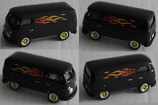 Johnny Lightning - VW T1 Transporter schwarz mit Flammen