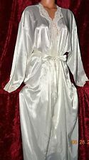 STUNNING Victorias Secret Pearls Lace Sequins Silky Bride Robe Gown Set NEW M L