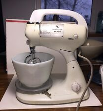 VINTAGE WHITE HAMILTON BEACH COUNTER TOP MIXER - WITH 2 BOWLS