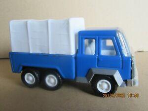 14O Jouet Ancien KY Chine Camion Bleu en Tôle Bâche Blanche en Plastique L 13 cm