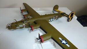 CORGI AVIATION CONSOLIDATED B-24 LIBERATOR PISTOL PACKIN MAMA 1/72 SCALE