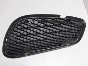 2014-2016 MERCEDES BENZ E-CLASS FRONT RIGHT LOWER MESH GRILLE COVER A2128852823