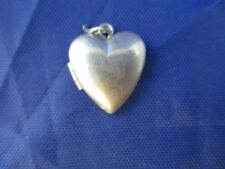 VINTAGE STERLING SILVER MOVABLE PUFFED PUFFY HEART LOCKET CHARM
