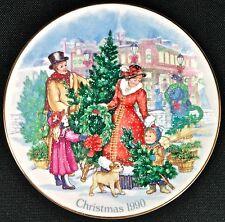 BRINGING CHRISTMAS HOME 1990 Avon Porcelain & 22k Gold Trim Collector Plate