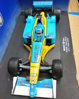 RENAULT F1 TEAM Racing Car Diecast  Model  1:18 UNIVERSAL HOBBIES