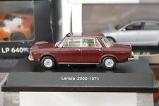 Lancia 2000 1971 bordeaux 1/43 Starline neuf