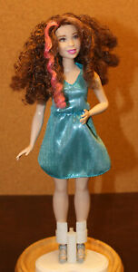 Barbie Fashionistas Evolution Curvy Doll Brown Curly Hair Green Eyes & Fair Skin