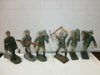Konvolut 6 alte Lineol Elastolin Massesoldaten Pioniere tragend zu 7.5cm