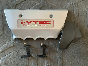 2002-2006 ACURA RSX Type-S PLASTIC ENGINE COVER OEM With Engine Mounts.