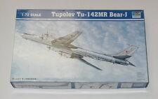 Trumpeter 1/72 Scale Tupolev TU-142MR  Bear - J