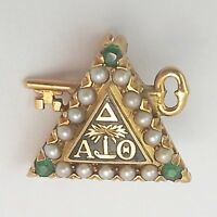 Antique 14K Gold Delta Alpha Theta Seed Pearl Emerald Key Fraternity Pin 3.5 gr