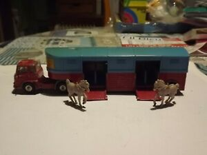 Bedford Chipperfields Corgi Toys