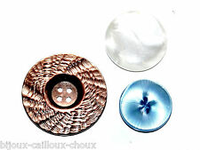 lot de 3 BOUTONS vintages en plastique irisé nacré blanc marron bleu button