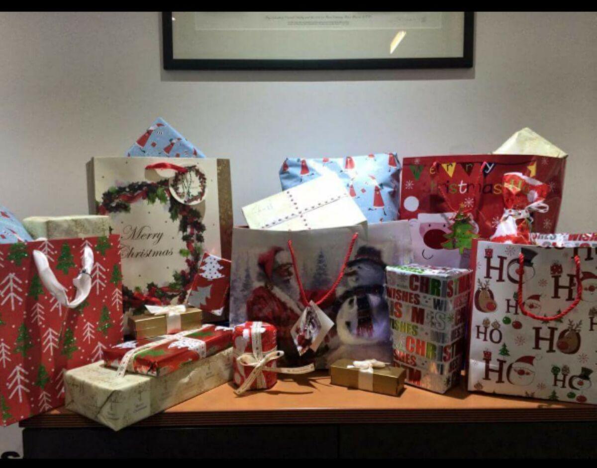 Baubles Christmas Shop1