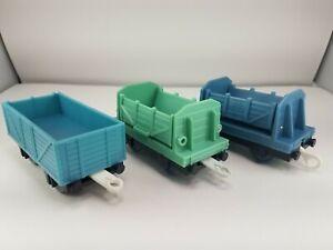 Set of 3 2009 Thomas & Friends Trackmaster Cargo Cars Tilt Dump Van Train Blue