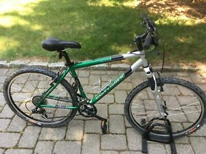 Gary Fisher Wahoo mens bike mans green hybrid road small mountain bicycle