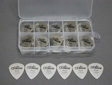 100pcs Alice Stainless Steel Metal Guitar Picks Plectrum 0.3mm + Case 10 Grid