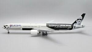 LATAM Boeing 777-300ER PT-MUA Star Wars JC Wings EW277W003 Scale 1:200