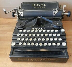 1911 Royal Standard NO-1 Typewriter with Serial # 64388 - Working condition
