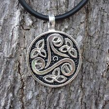 E101 TRISKLE PENDANT IRISH SYMBOL BIKER PEWTER SPIRAL NECKLACE ORNAMENT UNISEX