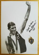 1958 NEIL ROBERTS HAND SIGNED B&W PHOTO & FREE REPLICA BROWNLOW MEDAL