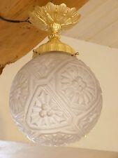 Plafonnier suspension en verre moulé et bronze doré art déco ref 655
