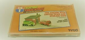 TYCO US1 HO Scale Electric Trucking Accessory. W/ Turnout Track - Fire Station