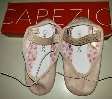 TINY PINK BALLET DANCE SHOES girls size 7.5 CAPEZIO NEW NIB daisy SO CUTE!