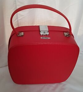 Old Red Antler Vanity/ Small case 1972