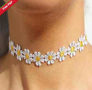 BEAUTIFUL VINTAGE DAISY FLOWER CHOKER CHAIN NECKLACE YELLOW & WHITE BOHO 80S 90S