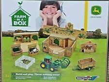 BRITAINS Farm in a Box Play Set john deere 1/32 scale
